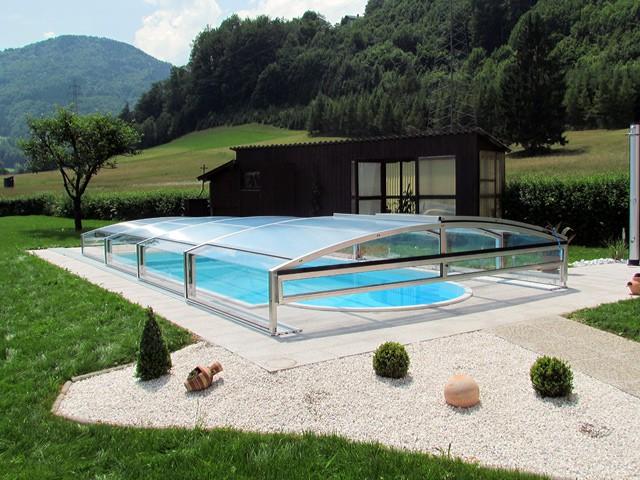 ploché zastřešení bazénu