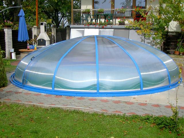 kruhové zastřešení bazénu
